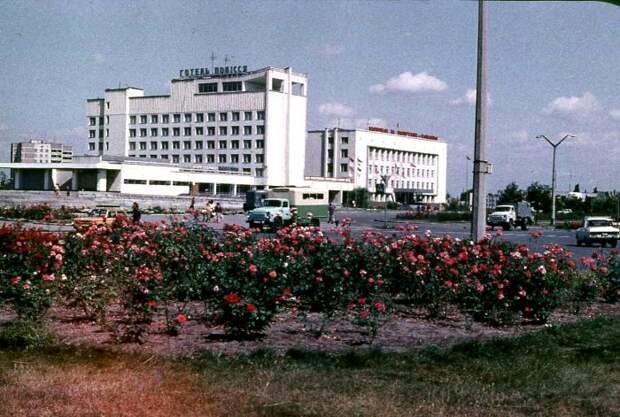 Припять не просто так называли городом роз. /Фото: chernobyladventure.com