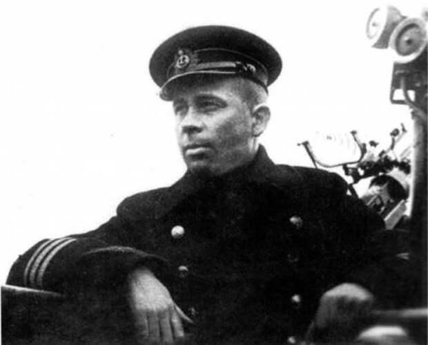 """Подвиг Маринеско и трагедия """"Густлоффа"""""""