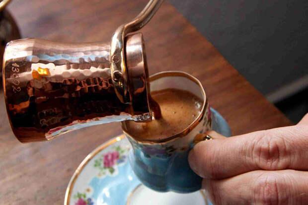 Варим кофе в турке: тонкости мастеров с Востока