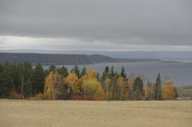 В Якутии женщина разбилась насмерть из-за селфи на краю обрыва