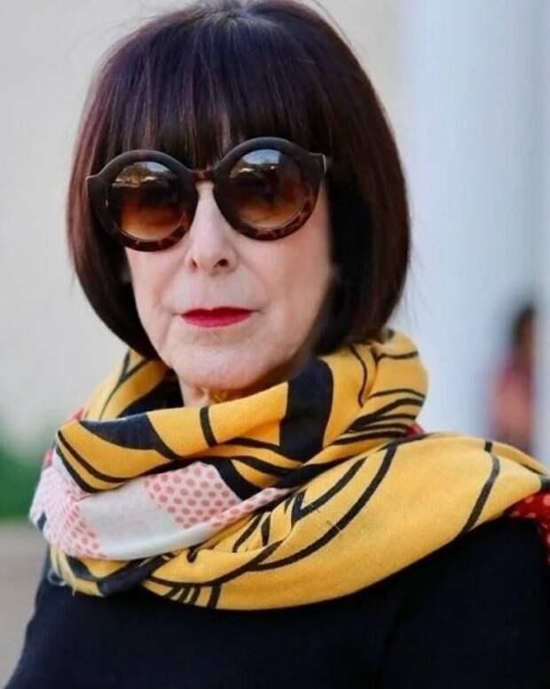 Эффектные шарфы, которые делают зрелых женщин шикарными дамами