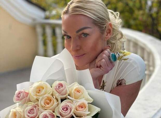 Адвокат Волочковой назвал мотивы тех, кто обнародовал ее фото в крайне приватном виде
