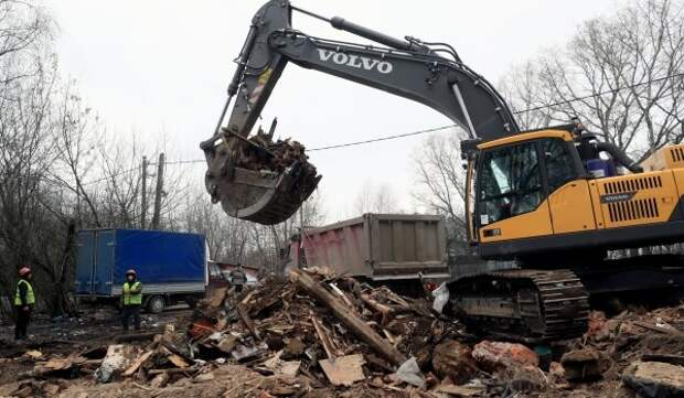В районе Филевский парк демонтировали ветхие постройки площадью более 2,5 тыс. кв. метров