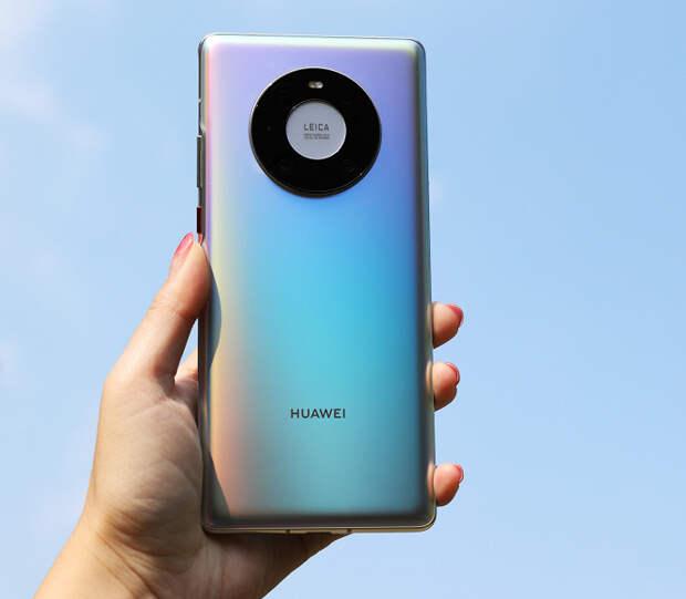 Huawei Mate 40 Pro под управлением HarmonyOS 2.0 работает со всеми приложениями Google
