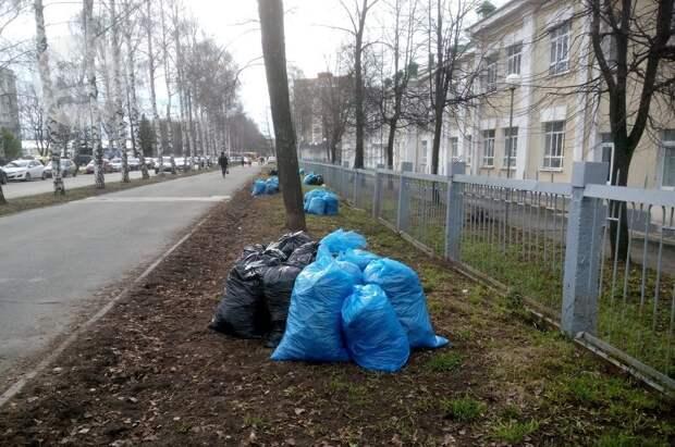 В Ижевске набирают сотрудников на уборку городских территорий