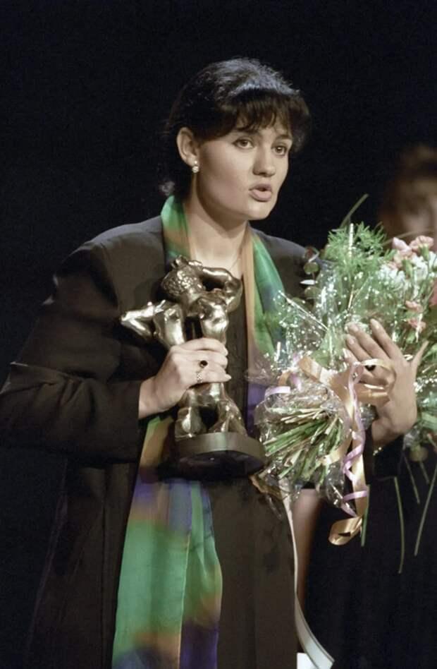 Что стало сглавными теле-красавицами 1990−2000-х? Вспоминаем любимые лица