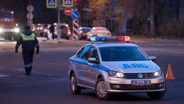 Нетрезвая автомобилистка протаранила здание торгового центра в Южно-Сахалинске