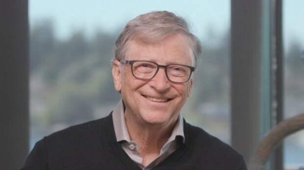 """Журналисты NYT рассказали о """"неуклюжих"""" попытках Билла Гейтса изменить жене"""
