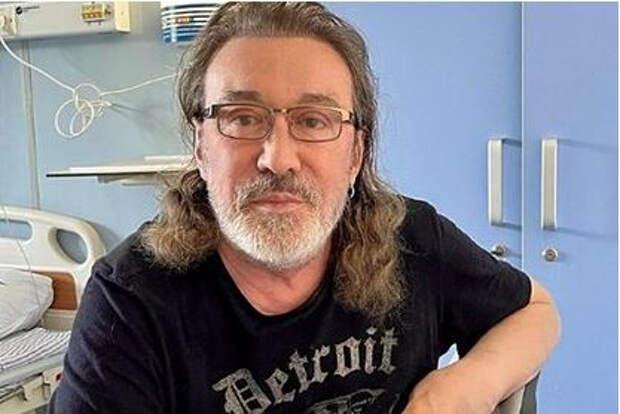 Заболевший коронавирусом музыкант Владимир Кузьмин перестал выходить на связь