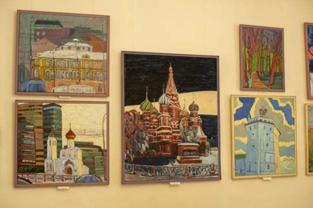Персональная выставка художника Алексея Миронова начала работу в Симферопольском художественном музее