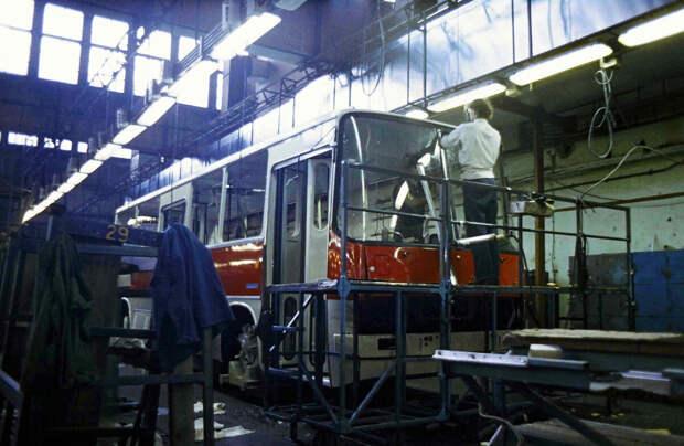 Что производит сейчас венгерский завод, где выпускали «Икарусы»