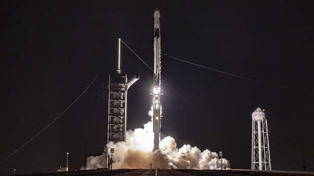SpaceX запустила ракету с 54 спутниками