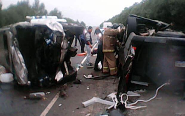 В разбившемся микроавтобусе погибли 7 человек
