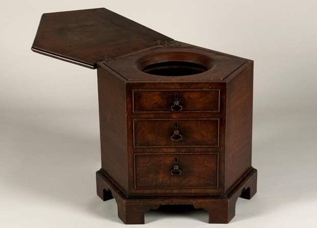 Туалет с фальшивыми ящиками. Ок. 1750 г.