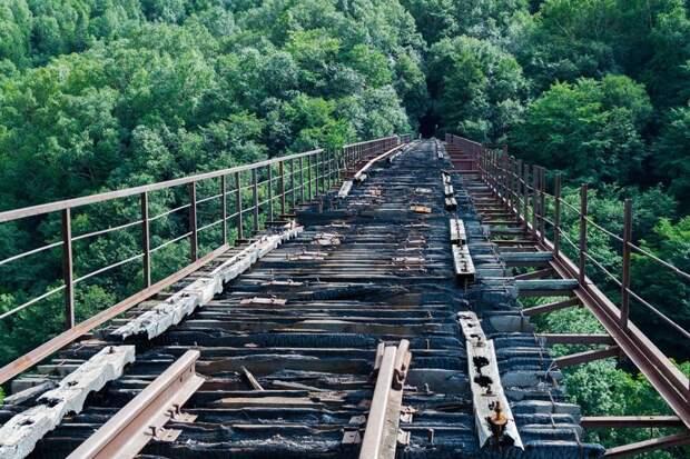 Разрушенный железнодорожный мост в Холмске, Сахалинская область, LyginaKs заброшенные здания, маяк, просторы, россия, церкви