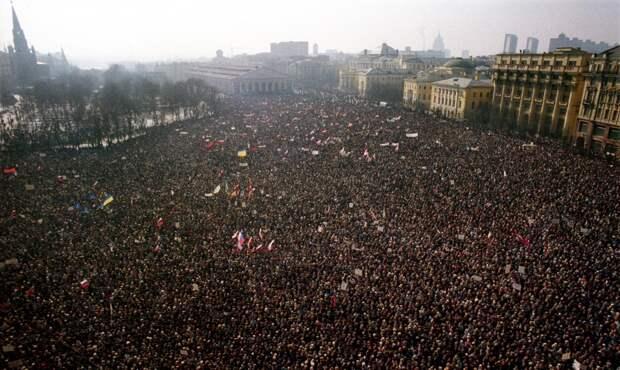 Сергей Лукьяненко: Я надеялся, референдум 1991 года послужит тому, что СССР останется единым государством