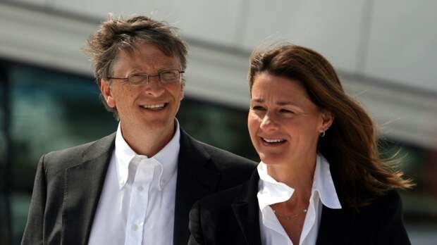 Миллиардер Билл Гейтс пытался завести служебные романы за спиной у жены