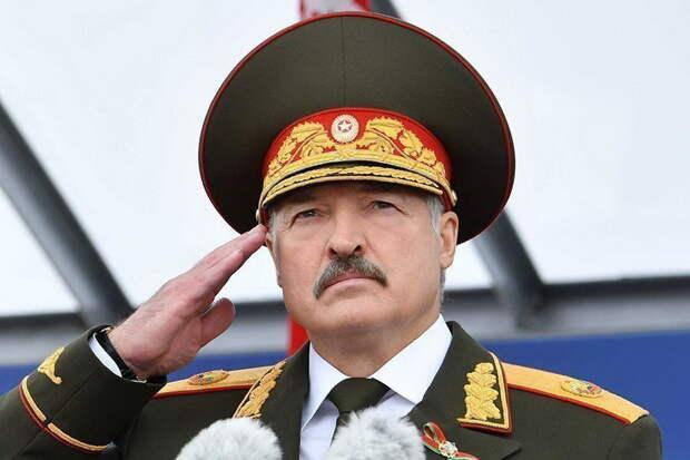 Белорусский политик объяснил, зачем Лукашенко лишил воинских званий 86 бывших силовиков