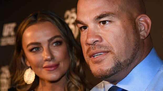 Экс-чемпион UFC Ортис покинул пост в мэрии родного города, отработав 7 месяцев