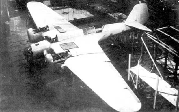Сборка опытного самолета СБ