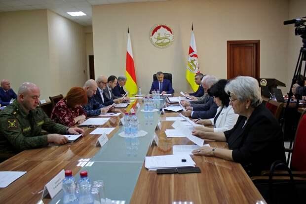 Президент Южной Осетии отправил в отставку правительство