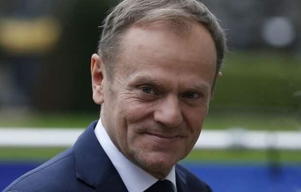Лидеры стран ЕС продлили мандат Туска на посту главы Евросовета