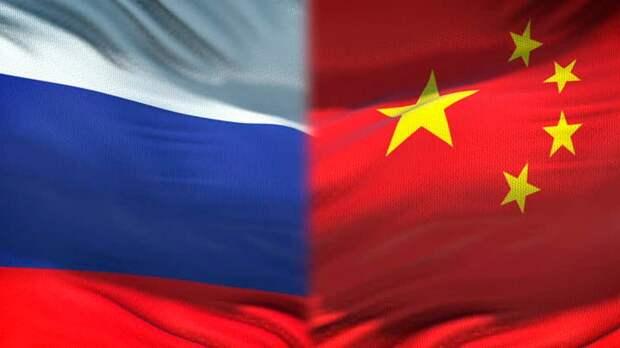 Успех России и Китая в «гонке прививок» объяснили вакцинным эгоизмом Запада