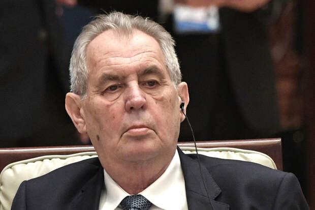 Президент Чехии призвал Европу не делать из Навального героя