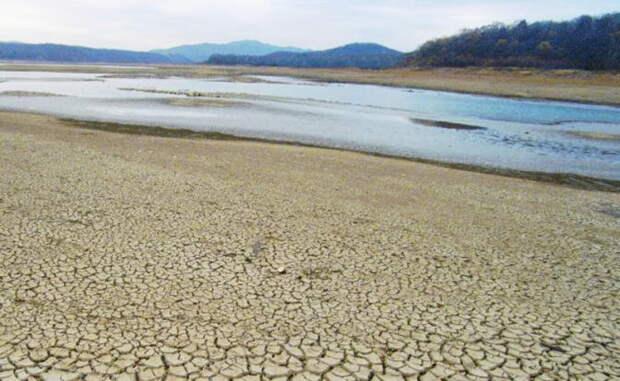Нет воды в Крыму, не будет и на Дону