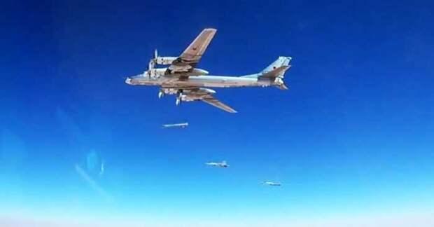 Полет российского «Медведя» с дроном «Охотник» озадачил Пентагон