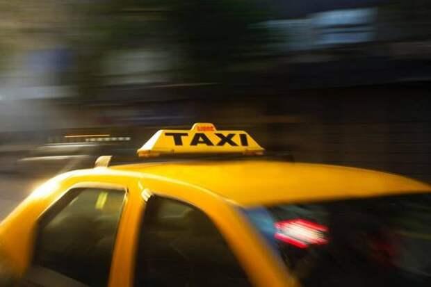 Скандальные кадры с участием таксиста во Владивостоке набирают популярность в Сети