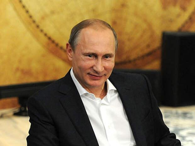 Путин пошутил на праздновании юбилея КВН