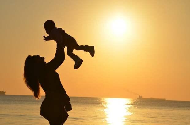 Специалисты семейного центра «Родник» рассказали, как уберечь ребенка в жару