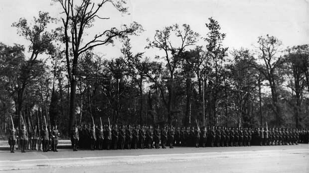 «Особое впечатление произвели танки и самоходная артиллерия»: 75 лет со дня проведения парада союзных войск в Берлине