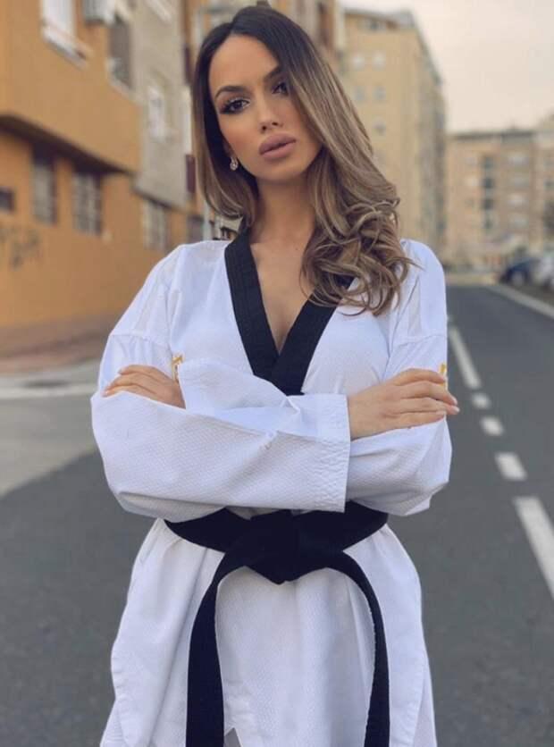 Каратистка из Сербии сначала стала звездой телевидения, а теперь решила покорить Голливуд