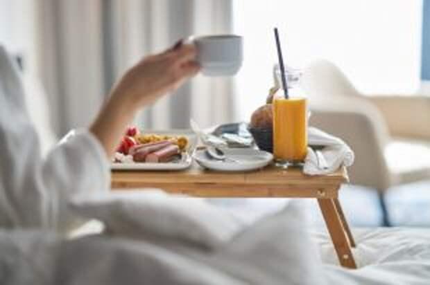 Суперполезный или мегакалорийный. Какой завтрак предпочитают звезды?