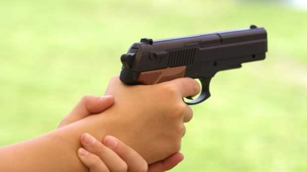 5-летний мальчик застрелил своего 12-летнего брата из пистолета
