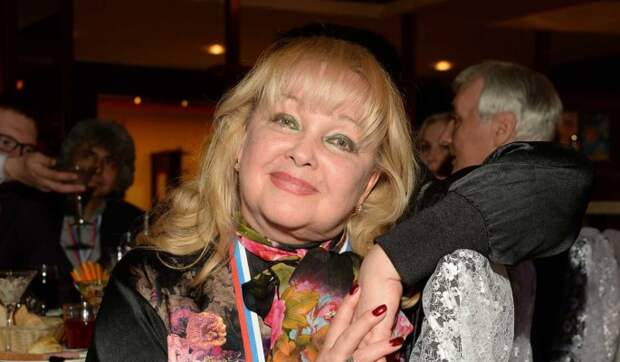 «Хулиган, любит алкоголь и женщин»: 72-летняя Гвоздикова рассказала о встрече с  Депардье