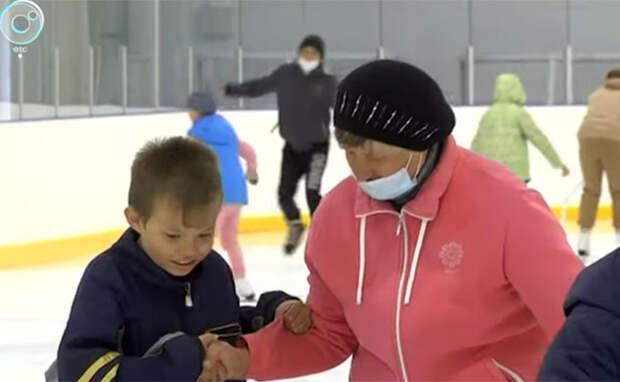 Ледовыми коньками увлеклись летом школьники Куйбышева