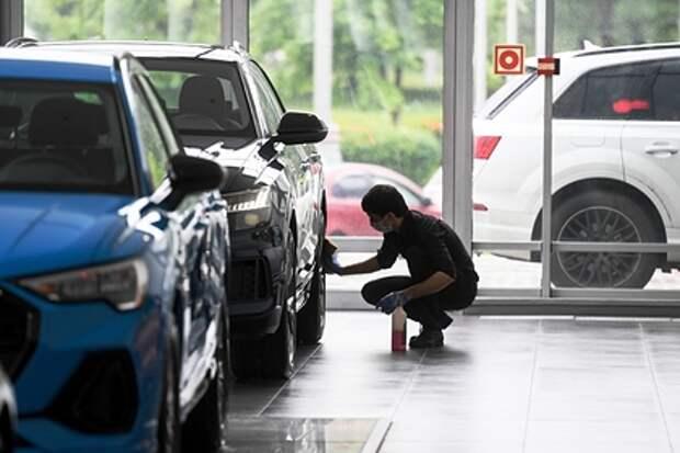 Россияне бросились скупать автомобильные аксессуары