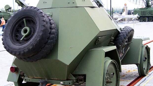 Житель Новосибирска восстановил военный автомобиль 1940-х годов