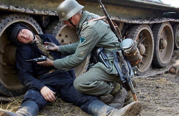 Что стало с советским генералом-танкистом, попавшим в плен за две недели до Победы?