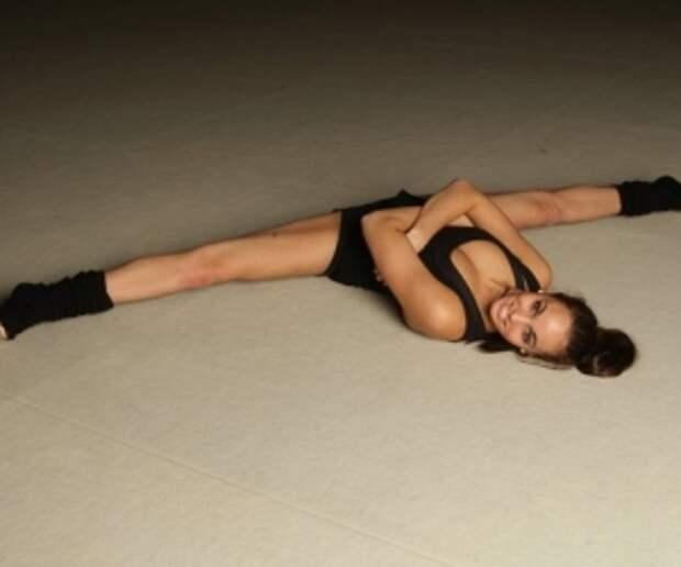 http://stroy-telo.com/images/domashnij-trening/pravelno_sadimsya_na_shpagat.jpg