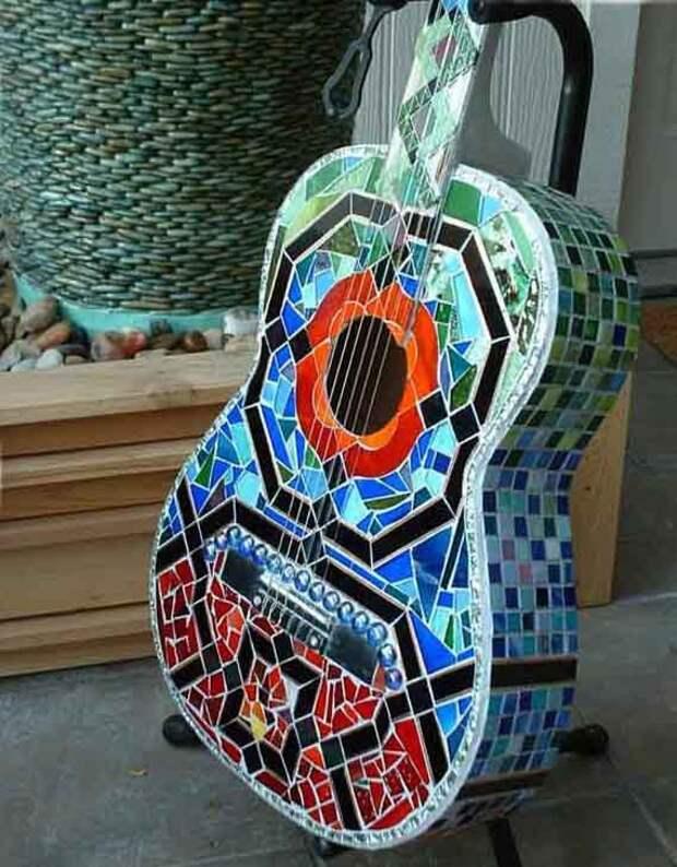 Гитара с мозаикой