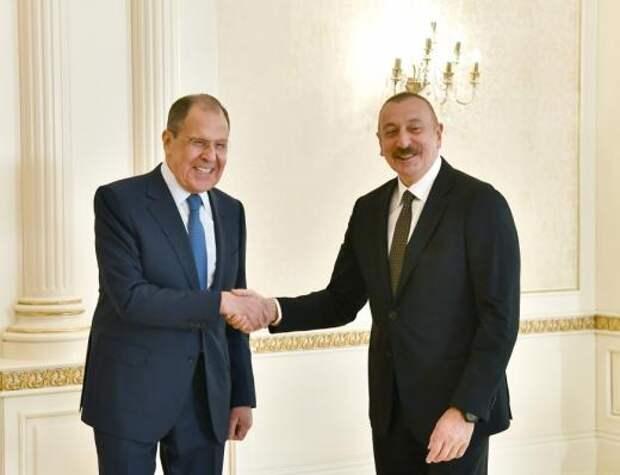 Азербайджан и Россия ведут диалог по вопросу выпуска вакцины «Спутник V» в Баку