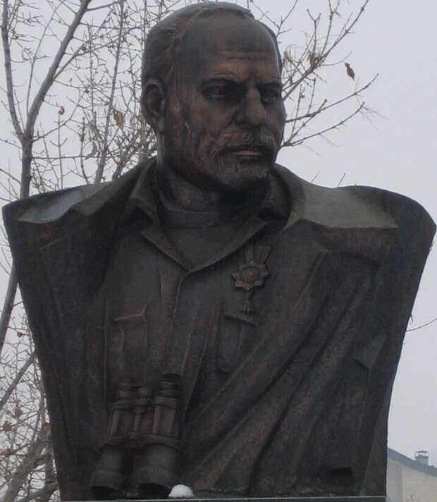 Бюст Монте Мелконяна в парке Победы в Ереване / Serouj / ru.wikipedia.org