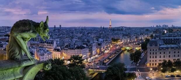 На Смольной пройдет виртуальная экскурсия по Парижу
