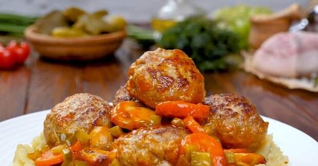 котлеты из говядины в соусе