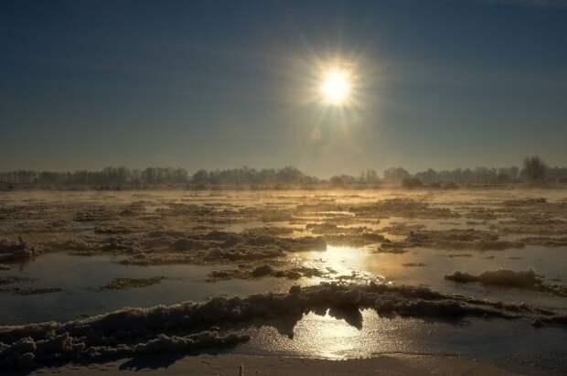 В хабаровском селе лед снес магазин на прибрежной зоне