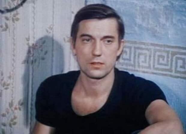 Почему красавцу актёру Евгению Киндинову пришлось бросить кинематограф